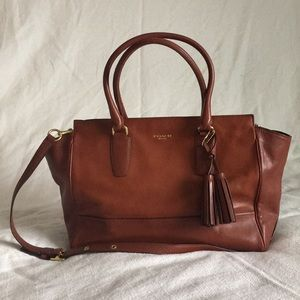 Women's Handbag with handles or Crossbody strap